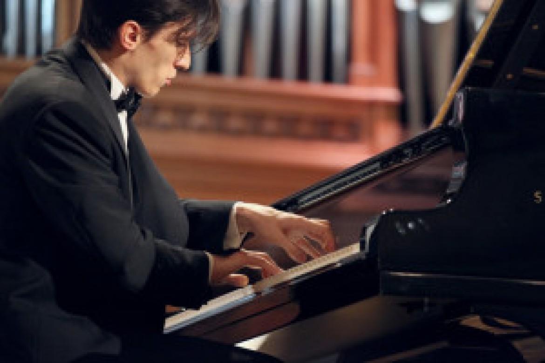 26 novembre, Romanovsky suona Brahms a Bologna